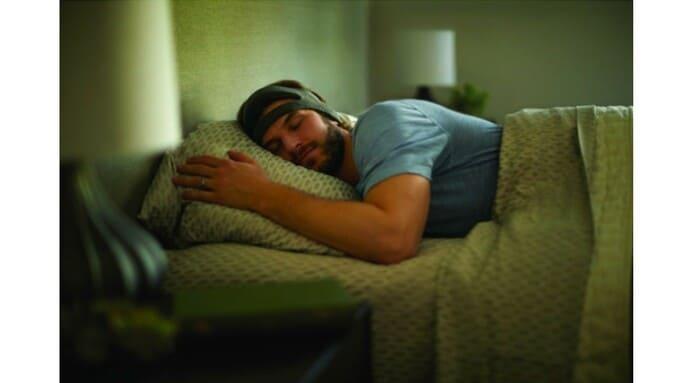 オーディオトーンの効果で深い睡眠が長く続く